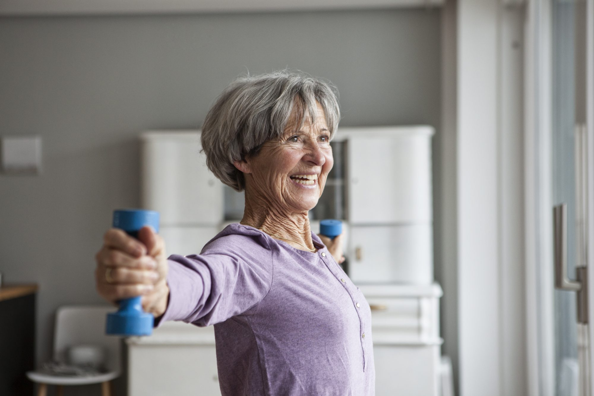 functional-fitness-mature-senior-weights