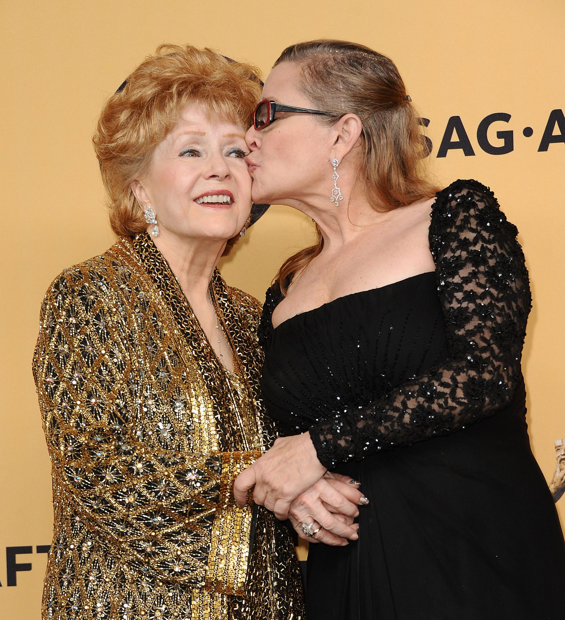 Did Debbie Reynolds Die of a Broken Heart? Science Shows It's Possible