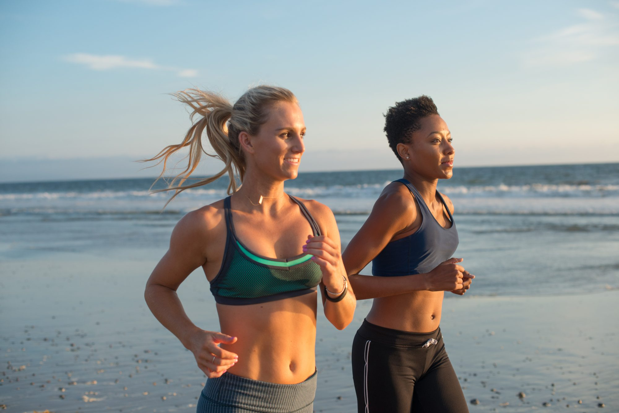 06-buddy-up-guide-running-beach-friendship-exercise