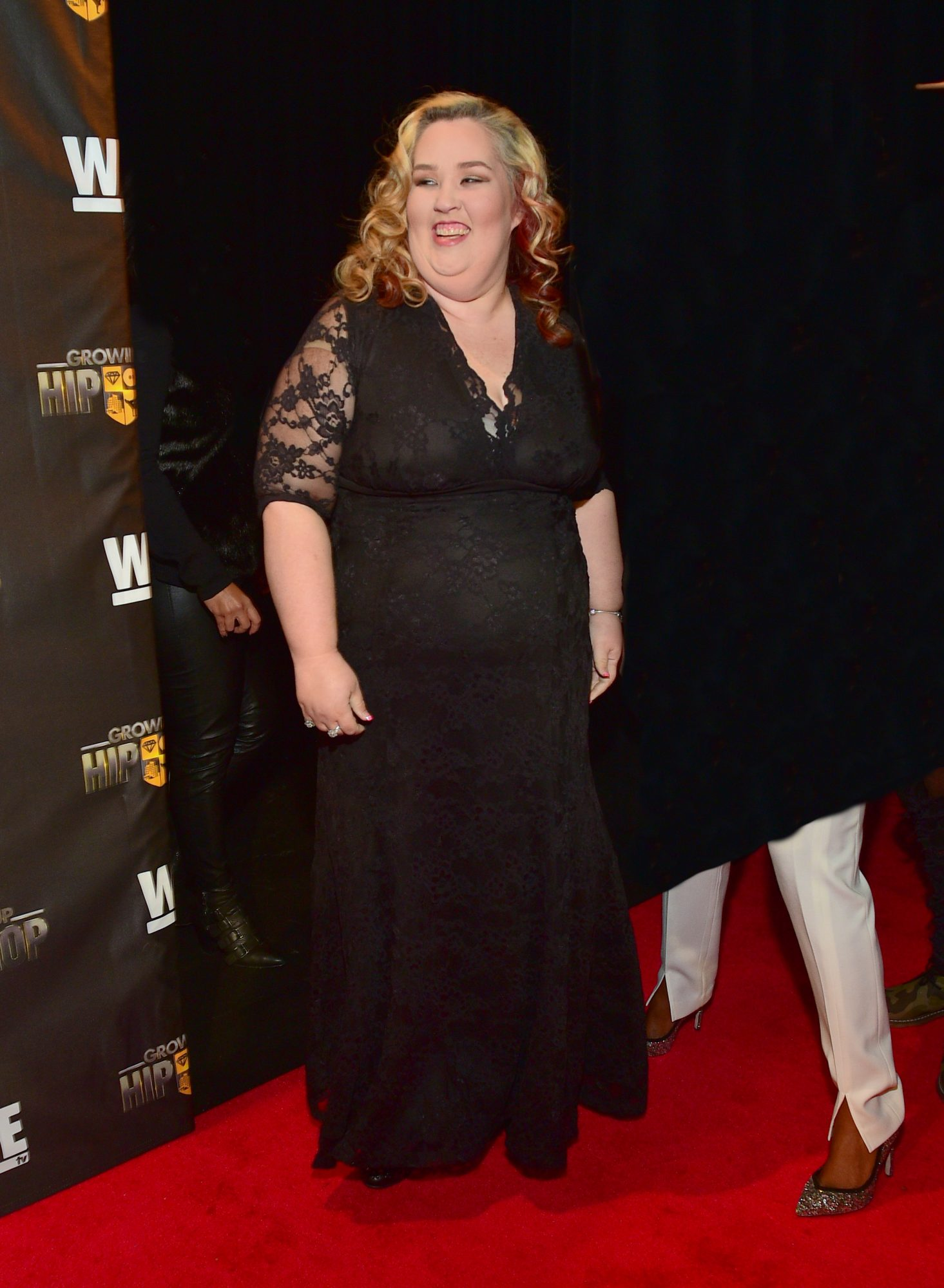 Dramatically Slimmed Down Mama June Tries On a Wedding Dress