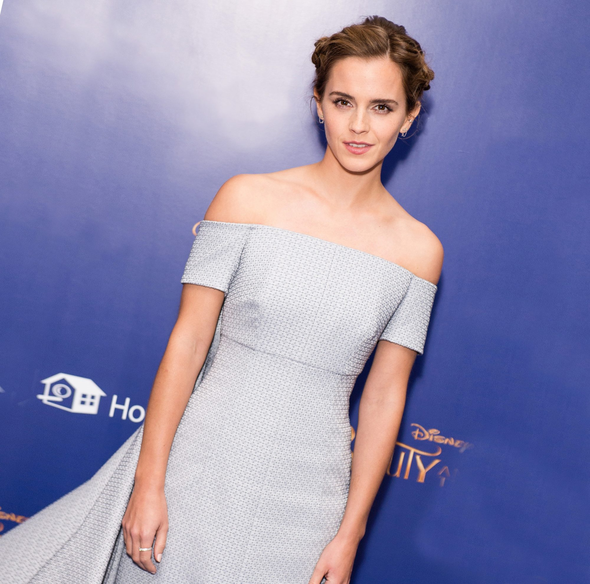 7 Beauty Confessions from Emma Watson (like She Uses Oil on Her Pubic Hair)