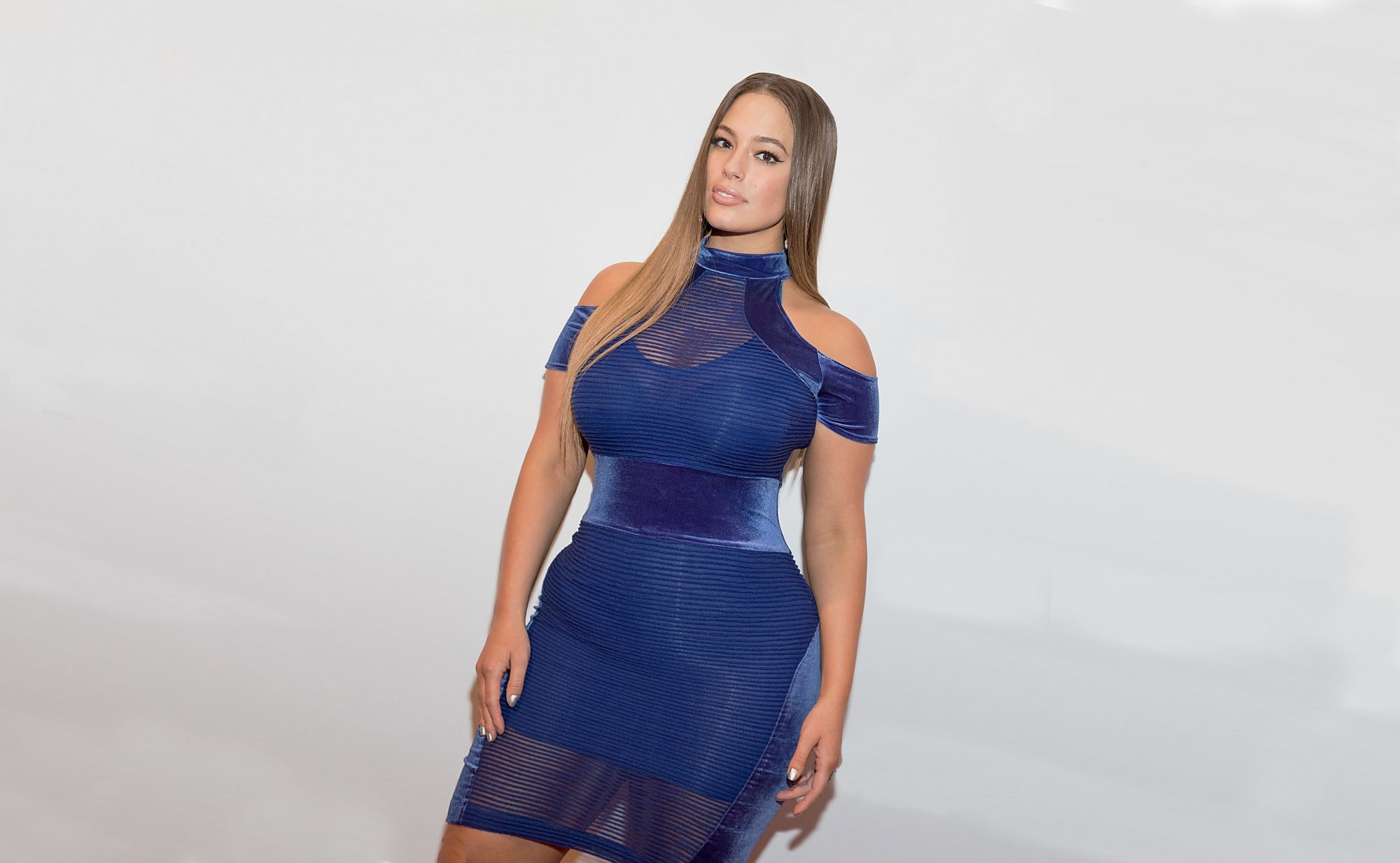 Ashley-Graham-blue-dress