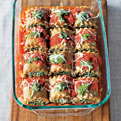 Spinach and Pesto Lasagna Roll-Ups