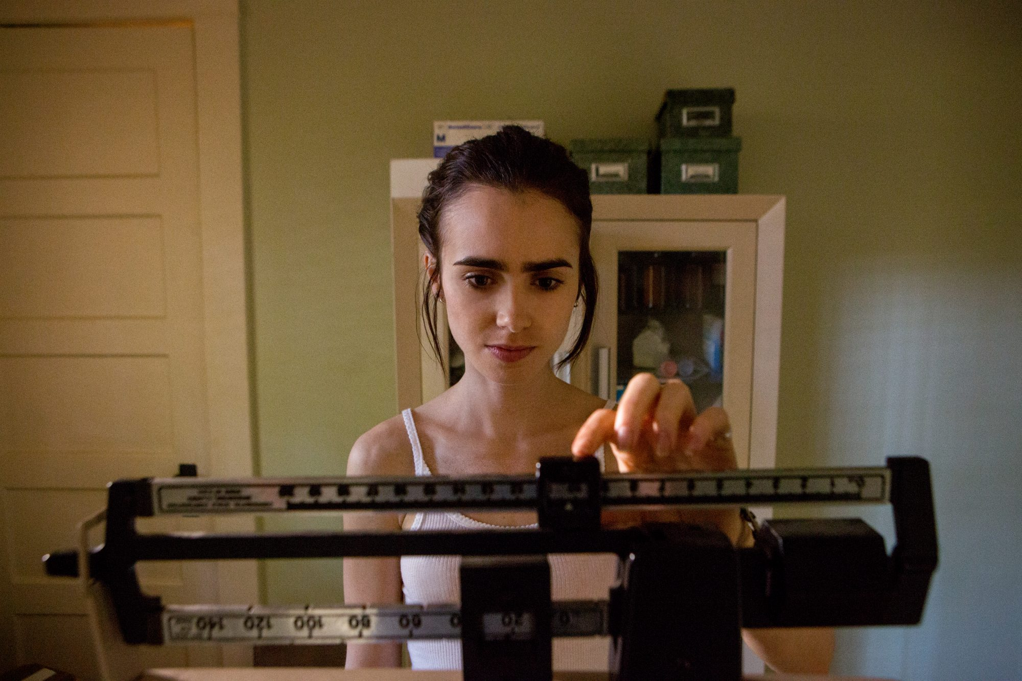 lilly-collins-to-the-bone
