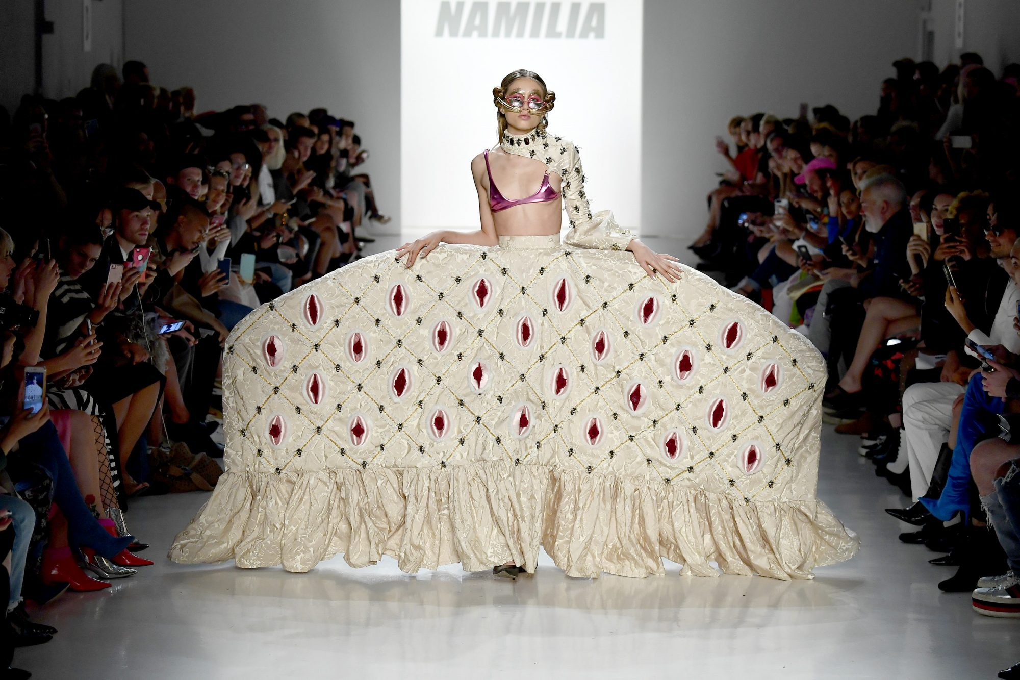 namilia-fashion-show-vagina