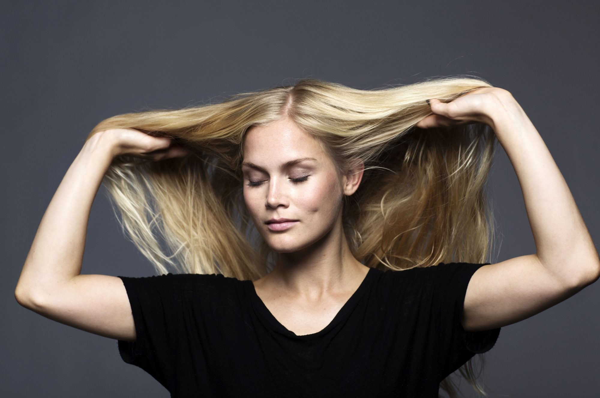 10 Ways to Detox Your Hair