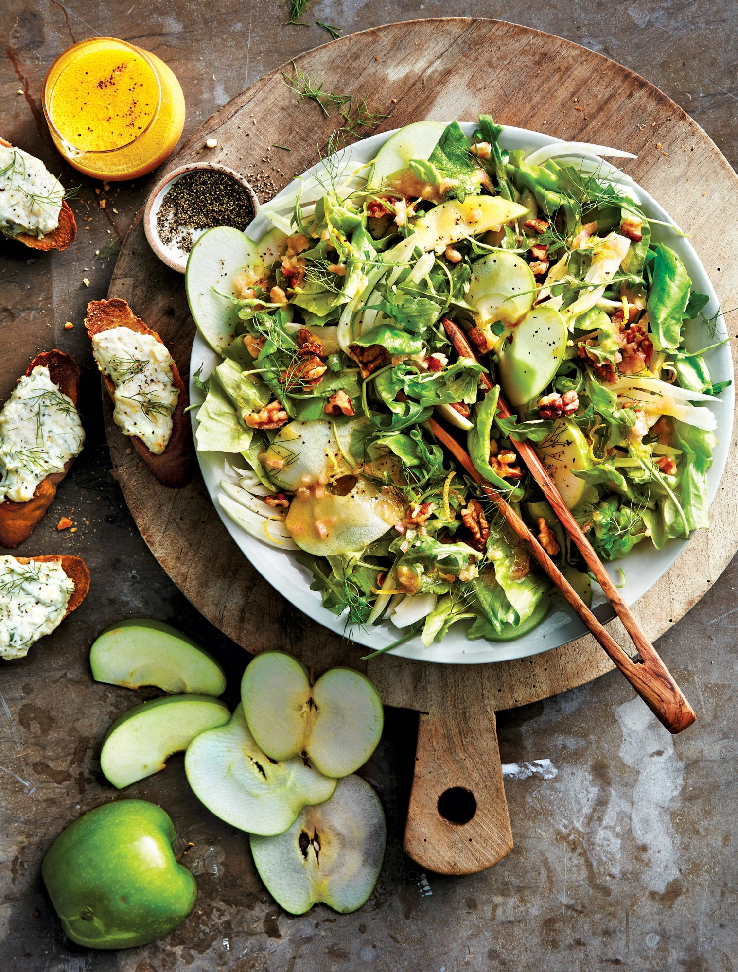 Arugula, Apple, and Fennel Salad With Citrus Vinaigrette