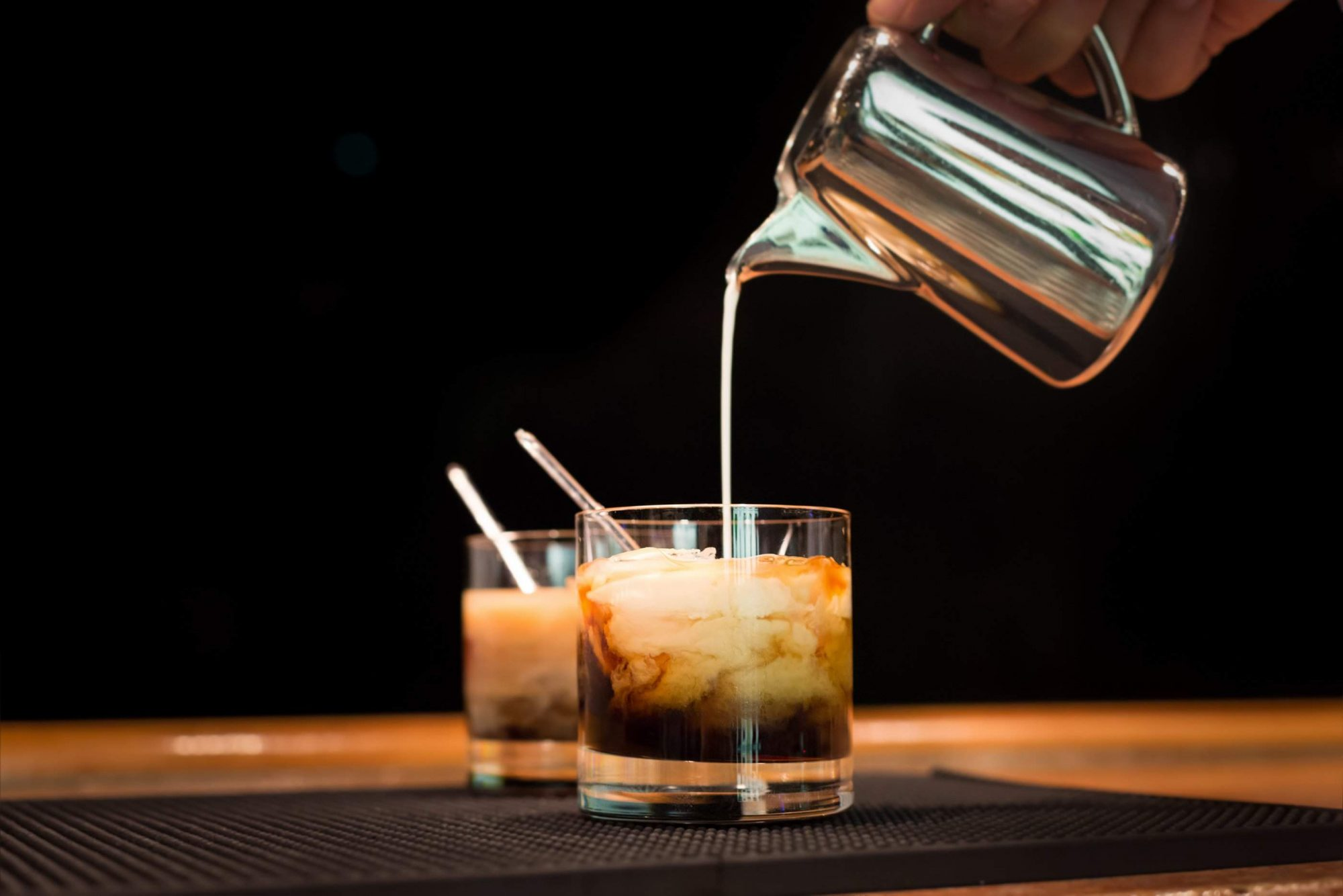 10 Drinks You Ought To NEVER Order At A Bar