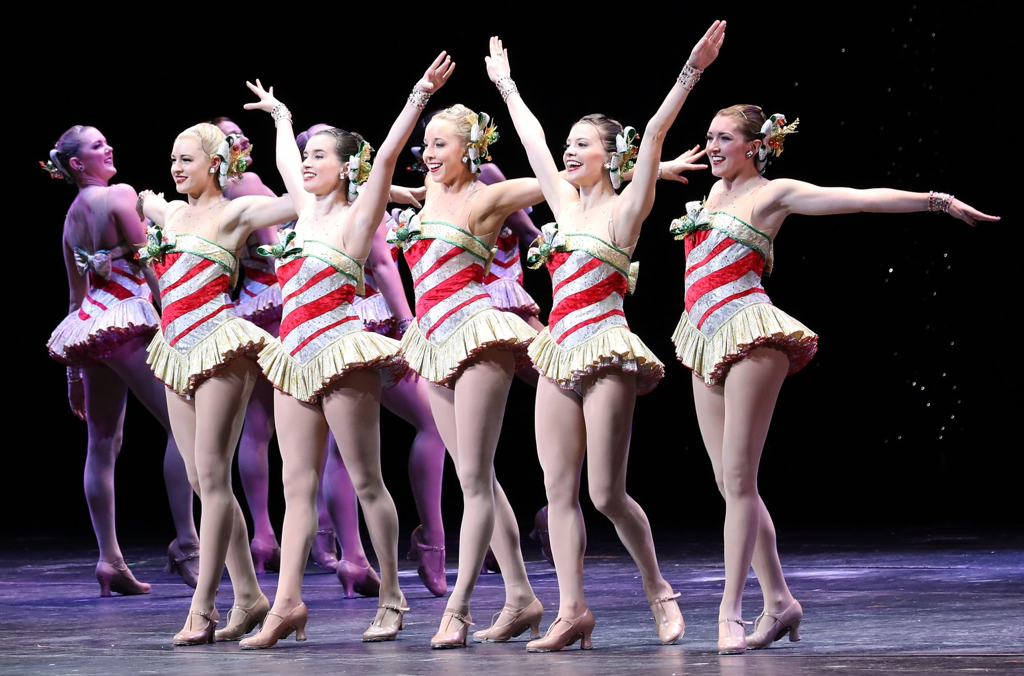 Rockettes: 10 Leg Exercises That Keep the Dancers in Shape ...