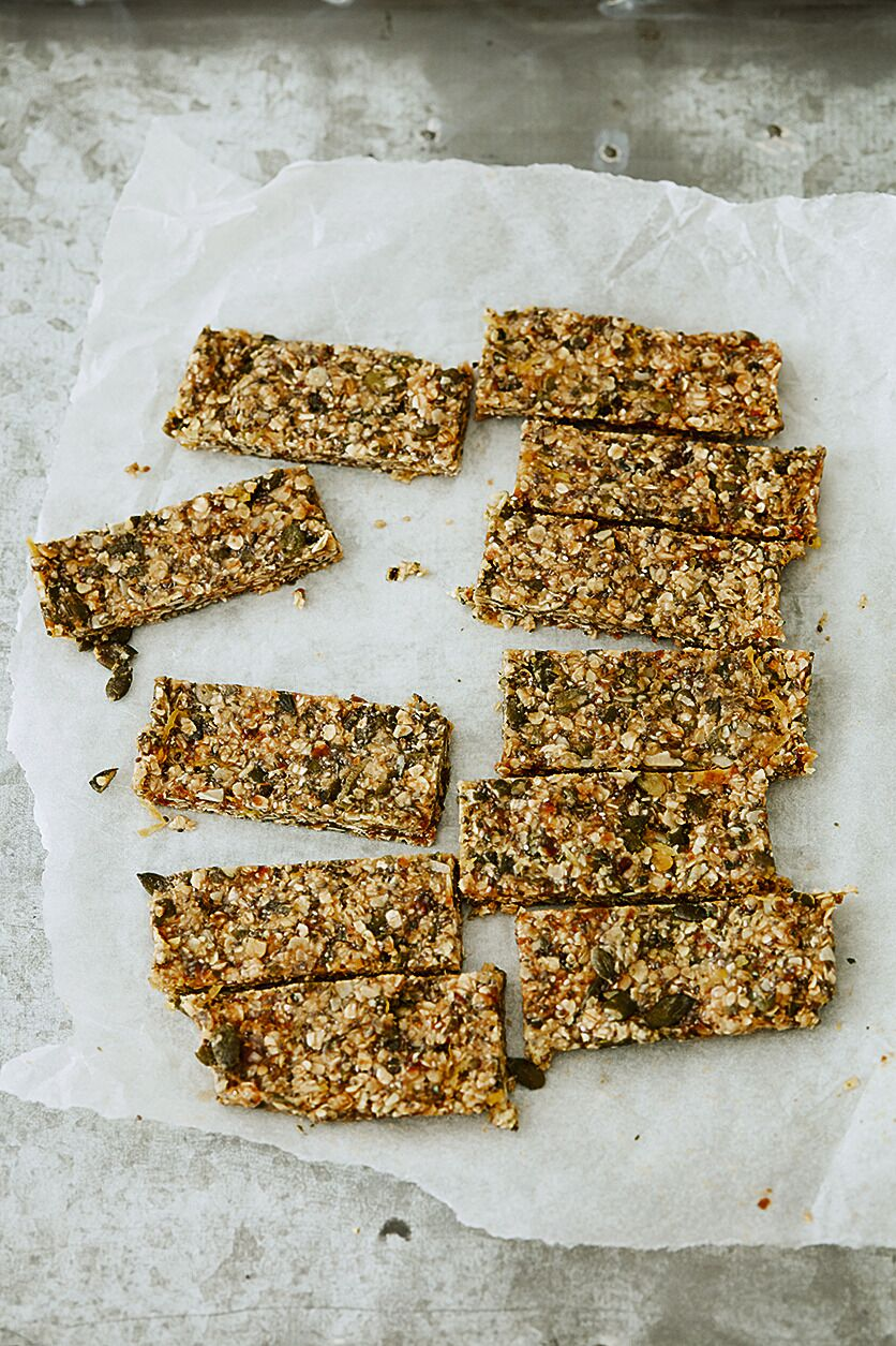 Deliciously Ella Natural Feast Honey and Lemon Breakfast Bars recipe