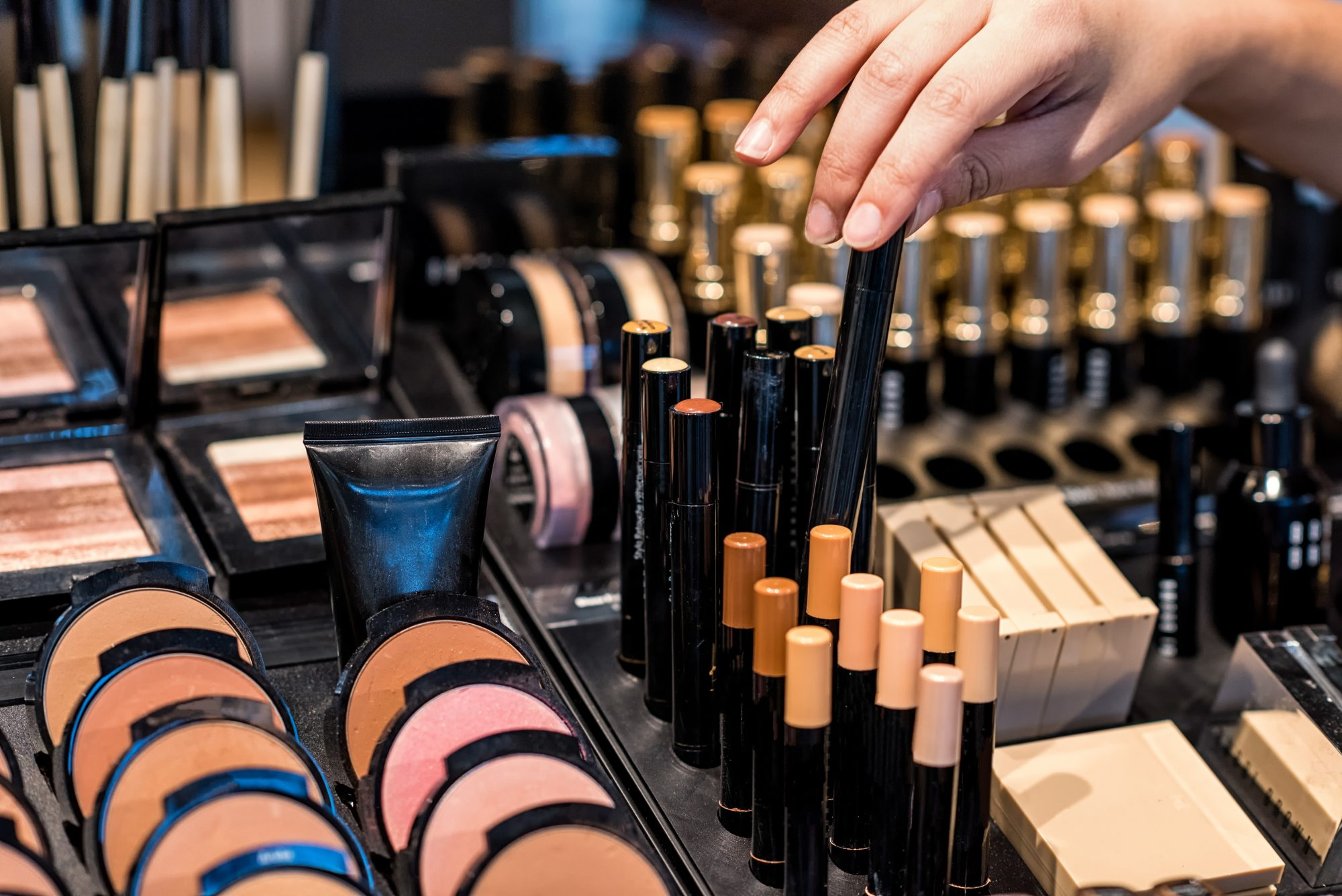 This Is How One Reddit User Overcame Her Makeup Addiction