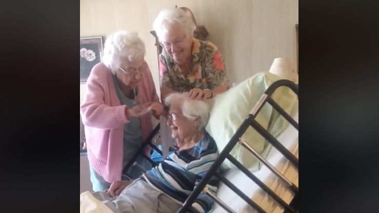 elderly-sisters-hospice-care-screenshot