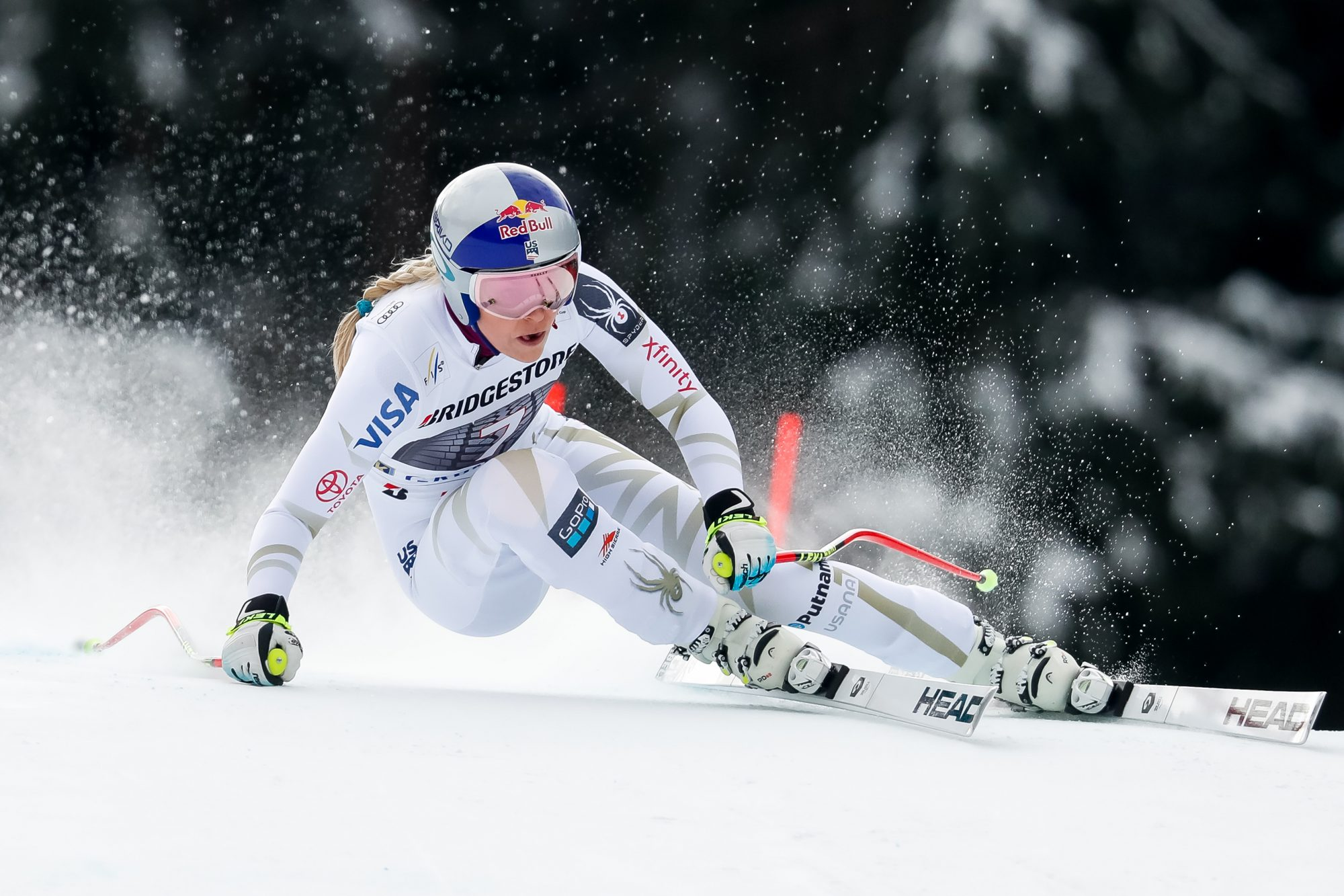 How many calories does downhill skiing burn?