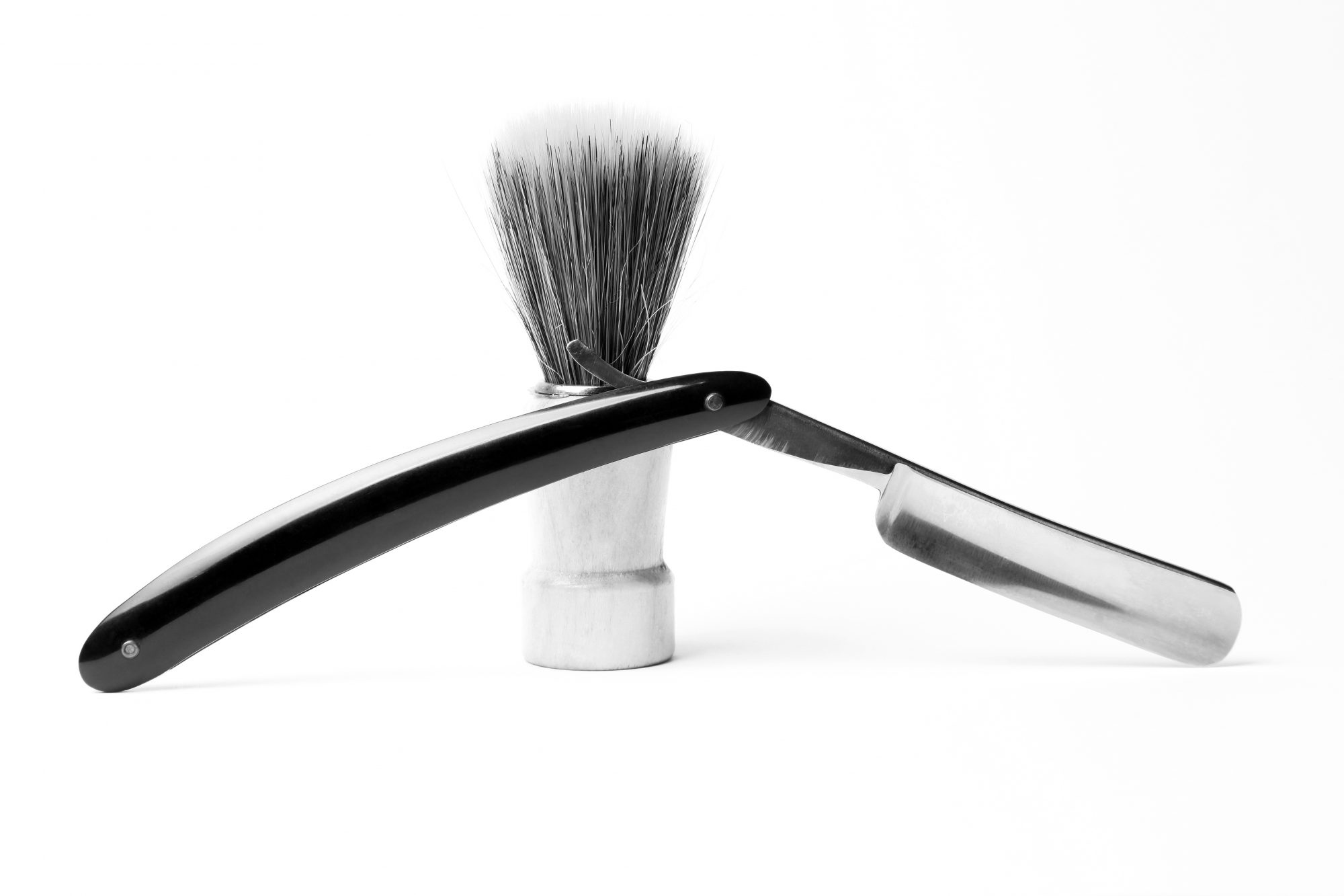 Straight razor and shaving brush