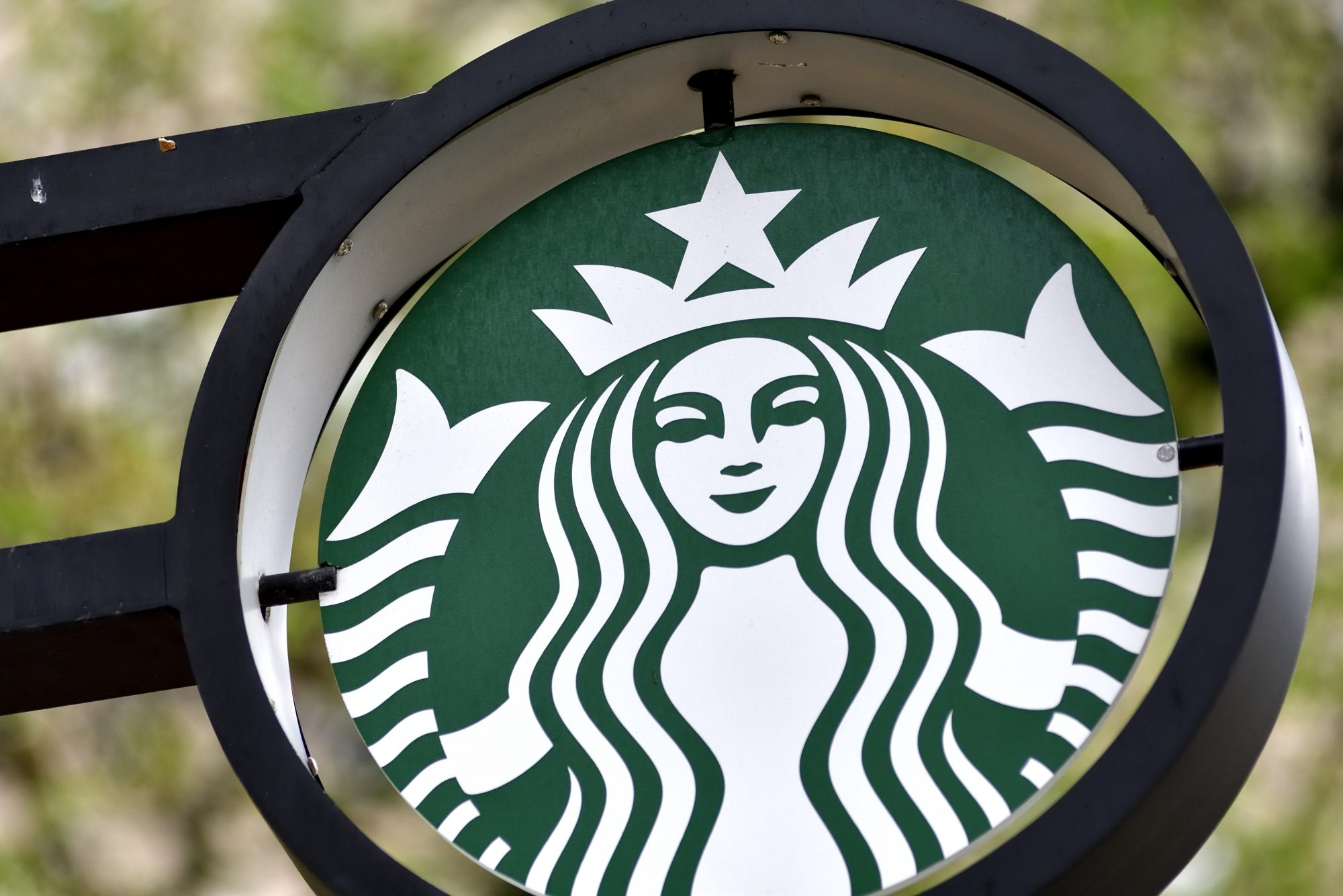 We Love Starbucks, But Here Are 6 Menu Items That Pack More Carbs and Calories Than You Expect