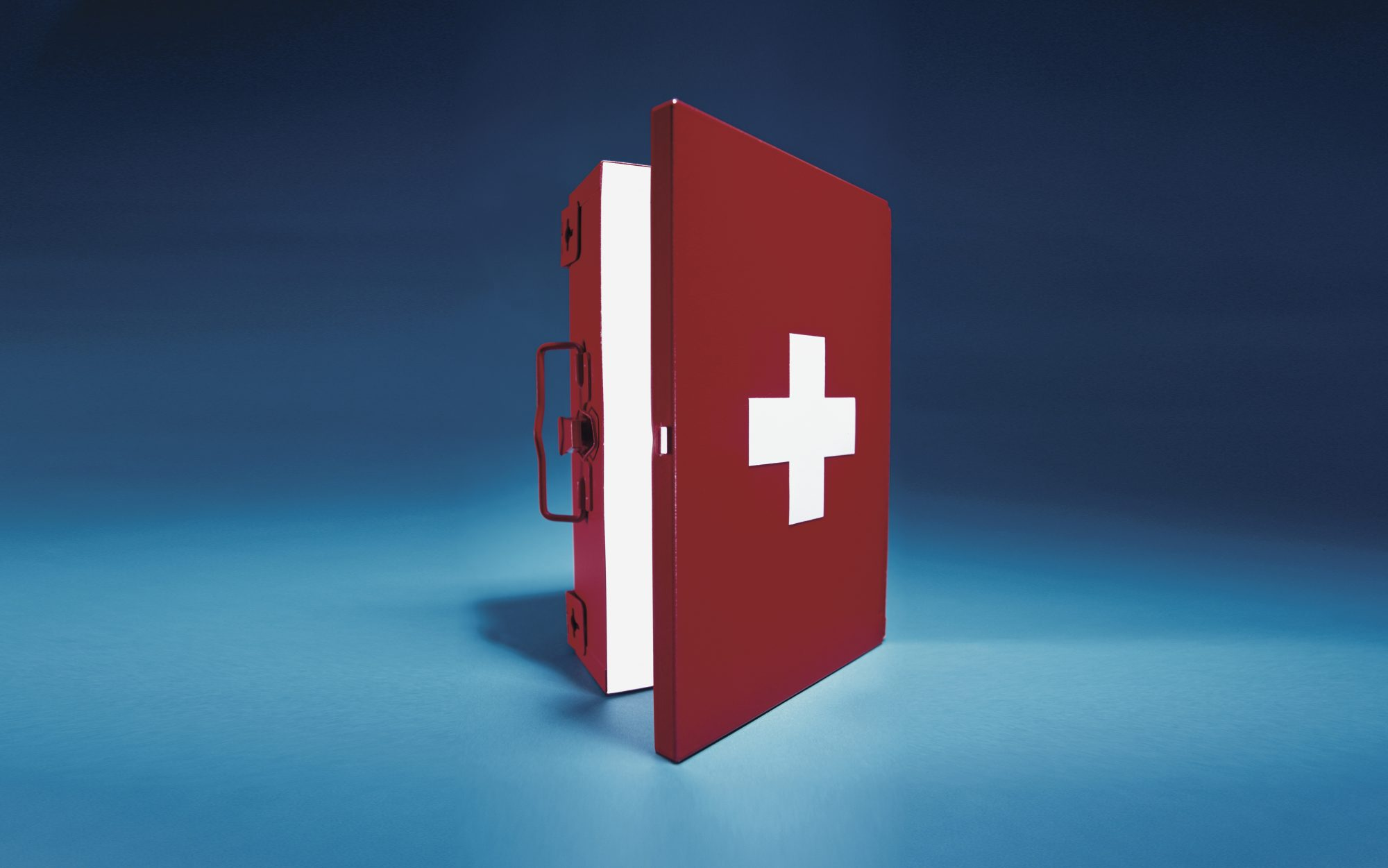 7 prepare-emergency-save-life-first-aid-kit