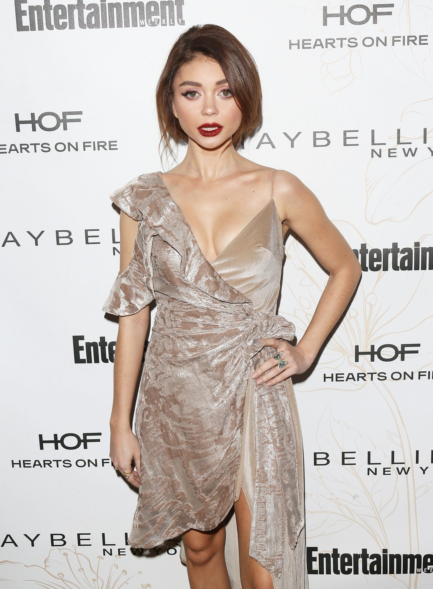 Modern Family's Sarah Hyland Is Frustrated with 'Doctors Not Listening' to Her Health Struggles