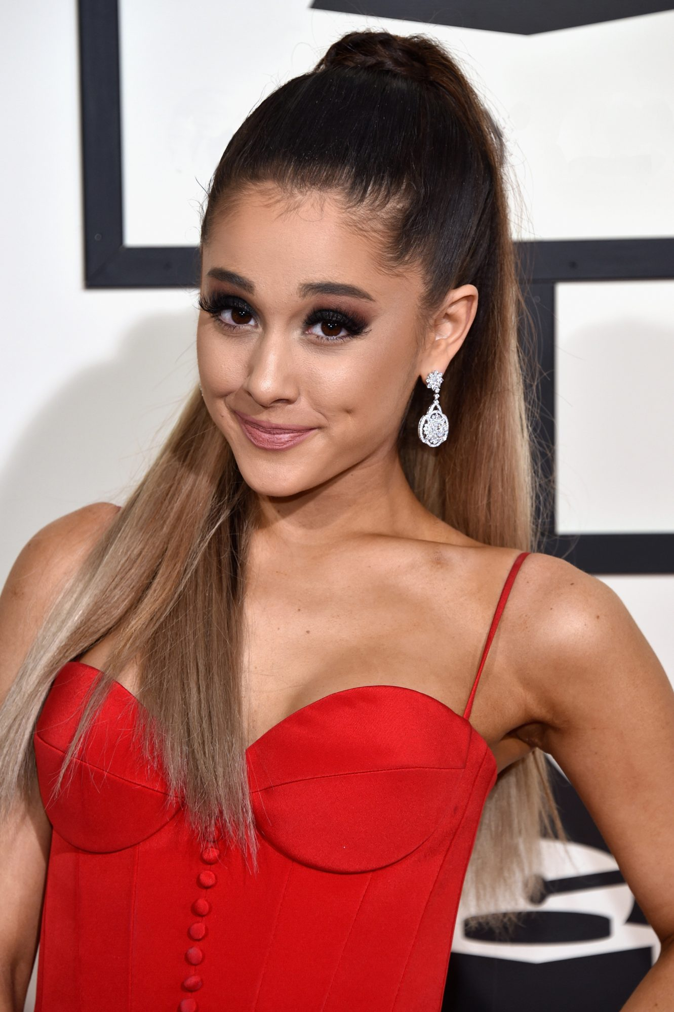 Ariana Grande Slams Vulgar Comment Mocking Pete Davidson's Eyes: 'This Man Has' Crohn's Disease