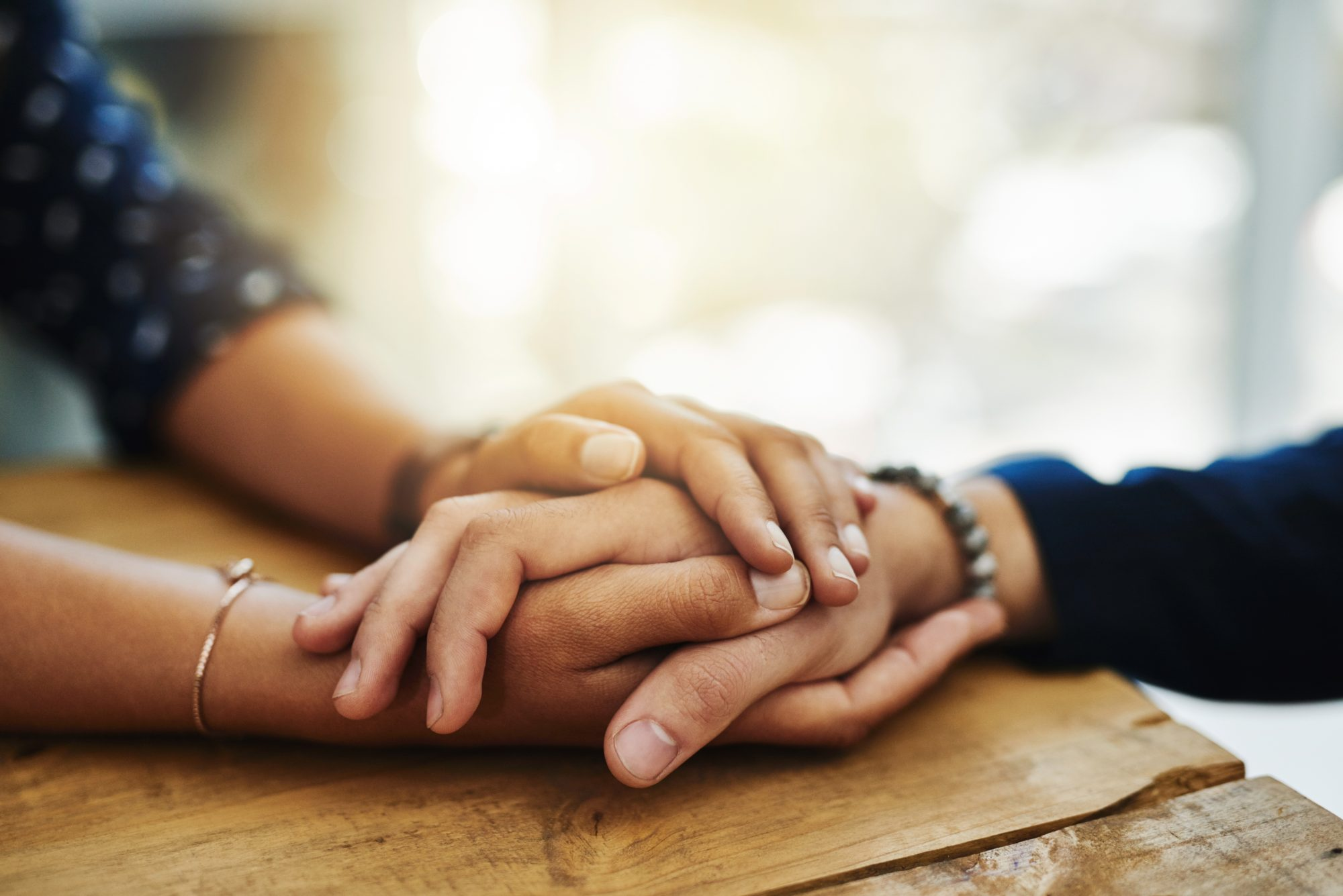 6 Ways to Help Someone Who Lost a Loved One to Suicide