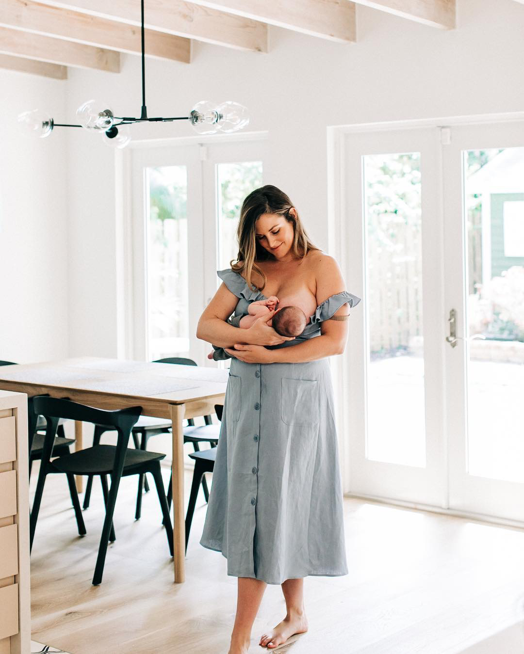This Influencer Opens Up About the Empowering Decision to Get Her Implants Removed and Breastfeed