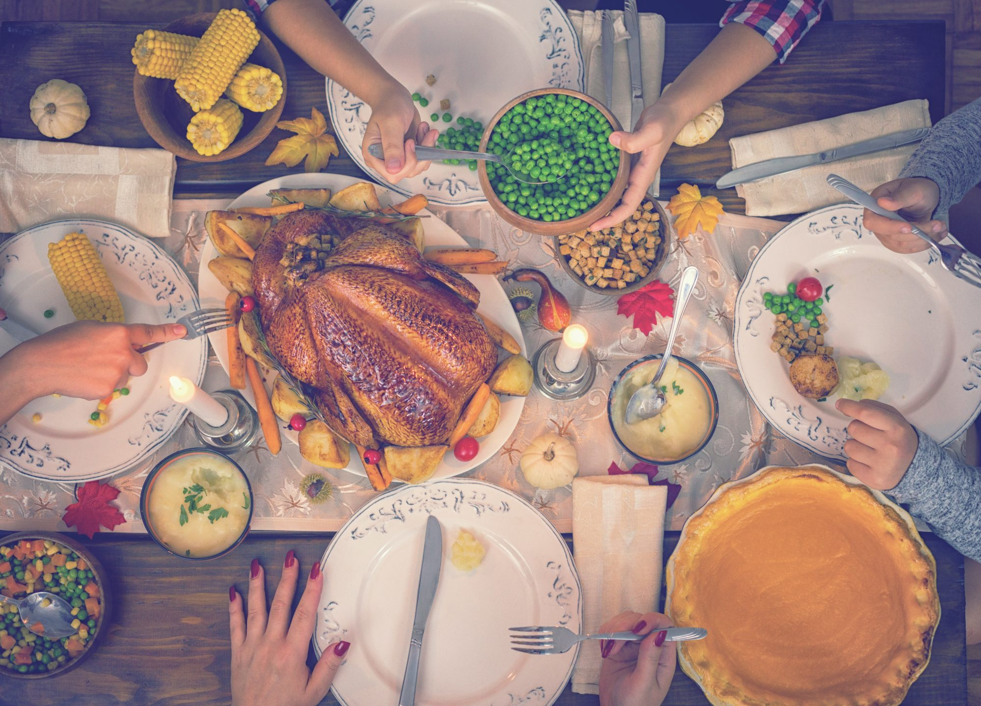 How to Survive Thanksgiving If You're Vegan but Your Family Eats Meat