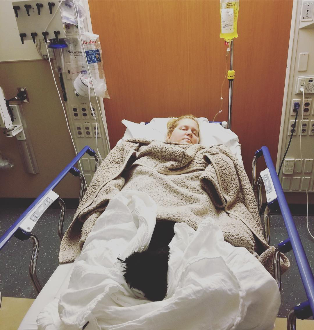 Amy Schumer Was Hospitalized With Hyperemesis Gravidarum. Here's What This Severe Morning Sickness Is Like