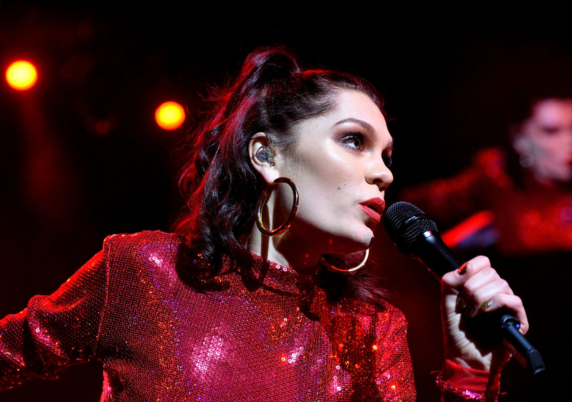 Jessie J Reveals During London Concert That Doctors Told Her She 'Can't Ever Have Children'