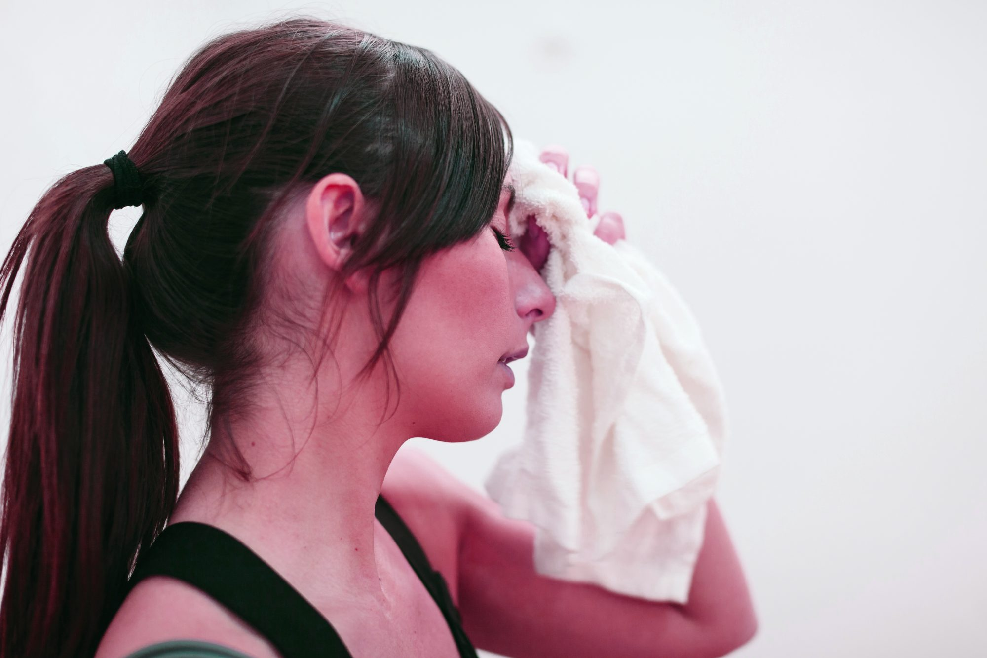 rosacea triggers symptoms flare-ups exercise stress