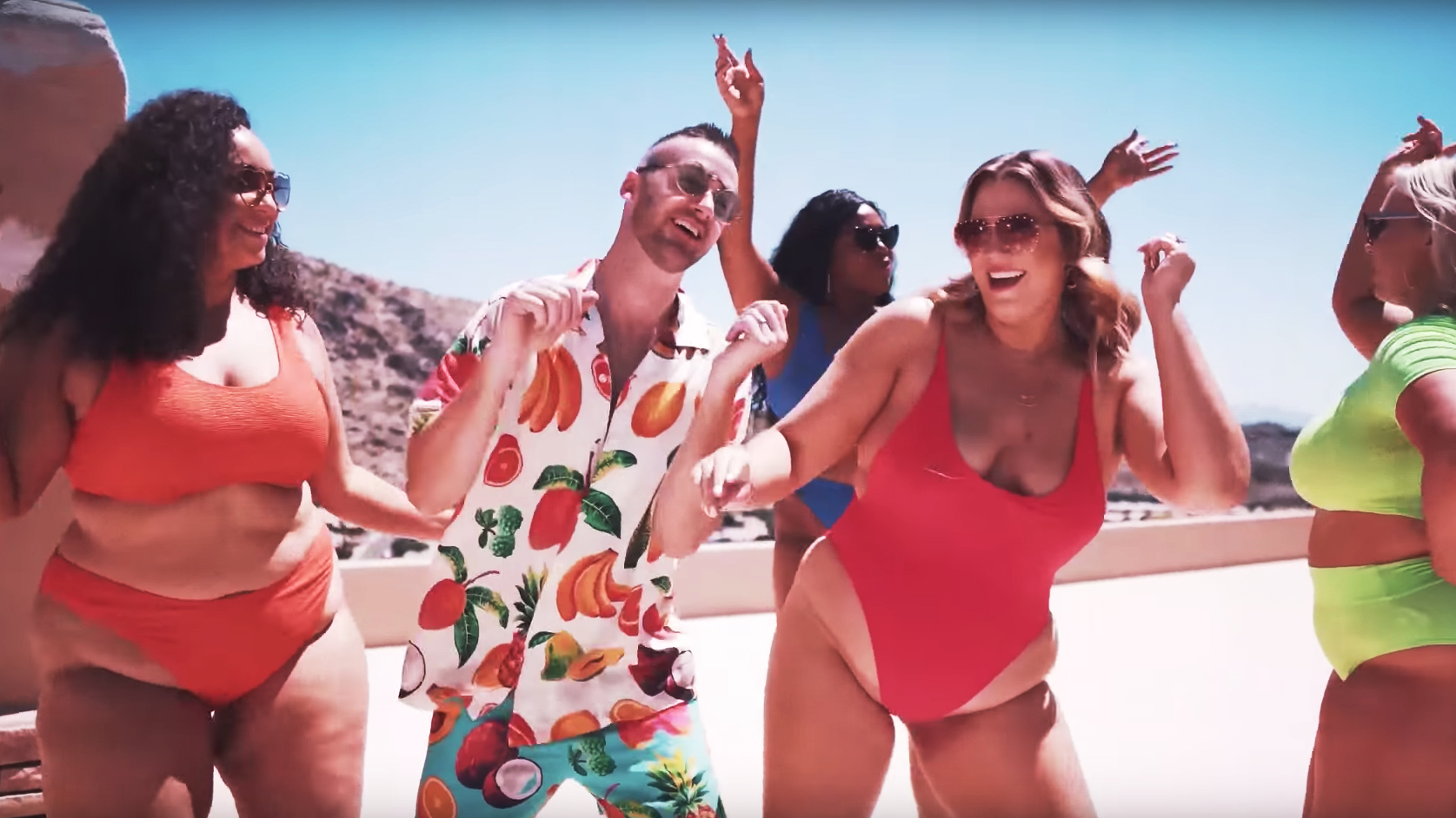 Curvy Wife Guy Robbie Tripp Is Being Slammed for His New Music Video 'Chubby Sexy'