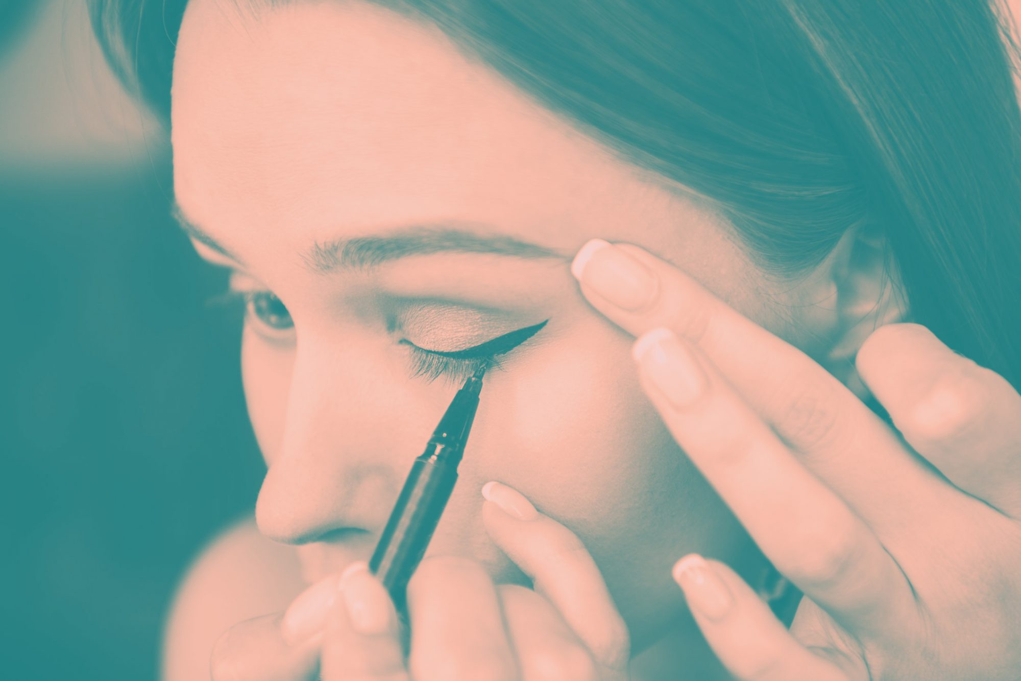 9 Eye Makeup Mistakes That Are Secretly Making You Look Older