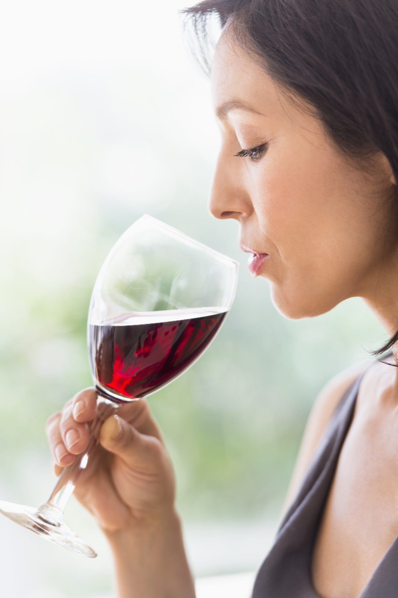 woman-red-wine-teeth