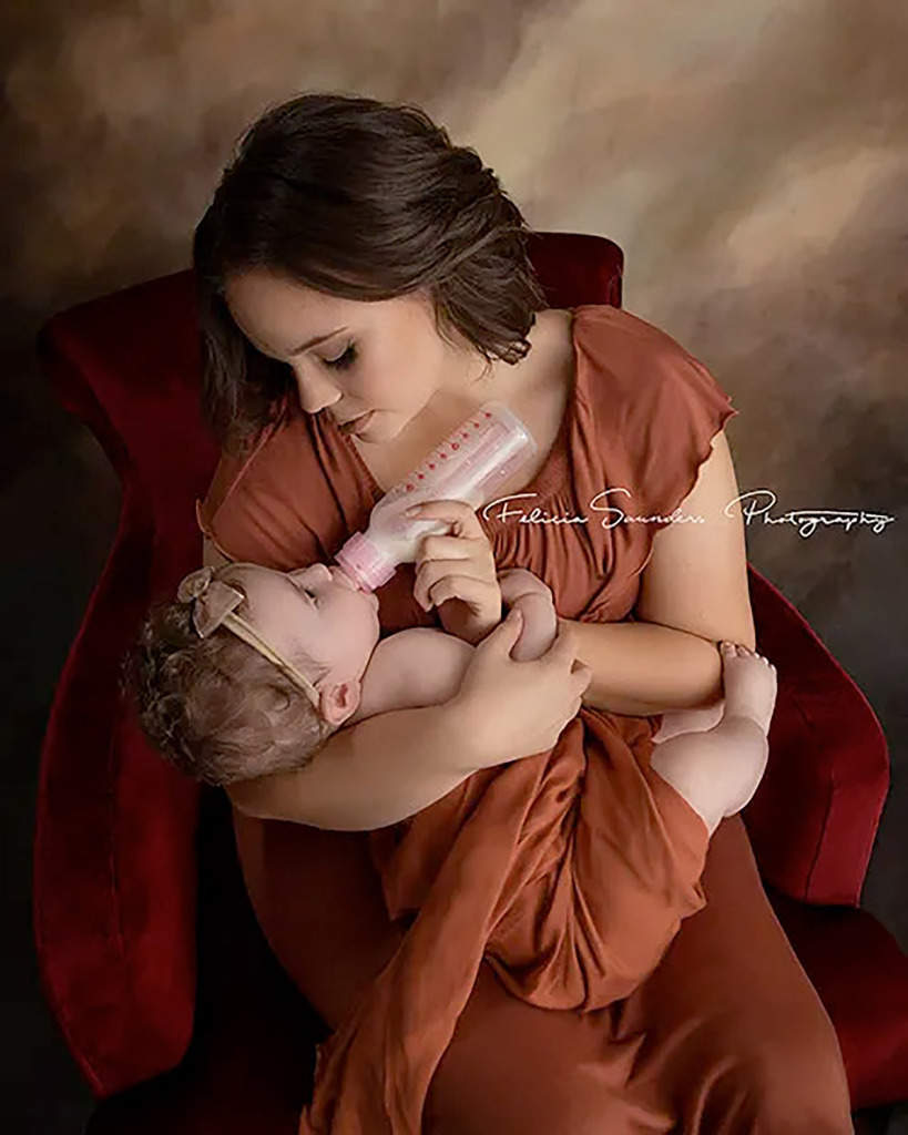 Photographer Captures 'Magic' as Moms Feed Babies in Different Ways: 'Nourishing Them with Love'