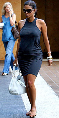 Halle Berry, pregnant, maternity, YaYa, Oprah, pregnant celebrities, maternity style