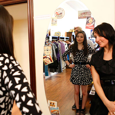 Miranda Cosgrove, Nickelodeon Kids Choice Awards Shopping Spree, Trying on Sonia Rykiel dress at Milk, Los Angeles, i Carly