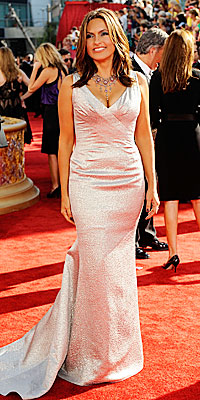 Metallics: Mariska Hargitay - Fashion Trends at the 2009 Emmy Awards