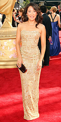 Metallics: Sandra Oh - Fashion Trends at the 2009 Emmy Awards