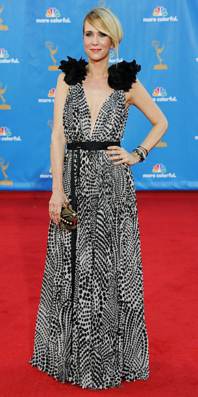 Kristen Wiig - SNL - Emmys 2010 - Hollywood, California