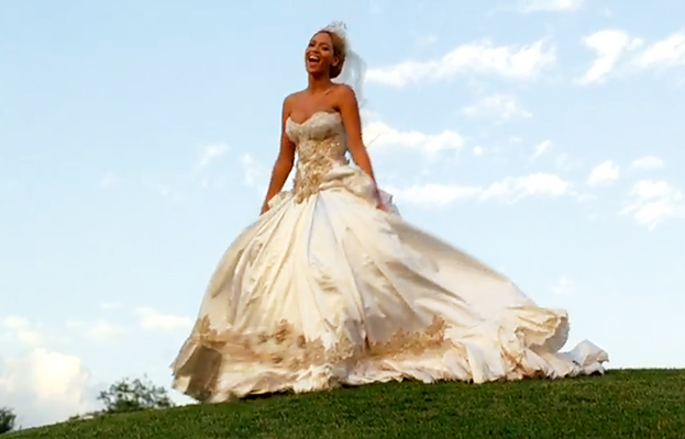 Beyonce wedding dress designer best thing i never for Beyonce wedding dress pictures