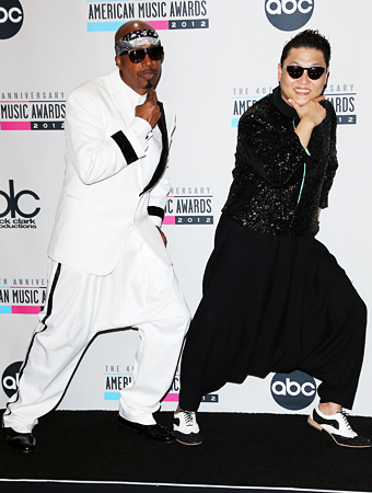 Psy MC Hammer American Music Awards