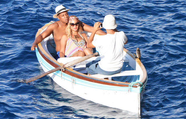 Photo of the Day: Beyonce and Jay Z Rowboating in Italy