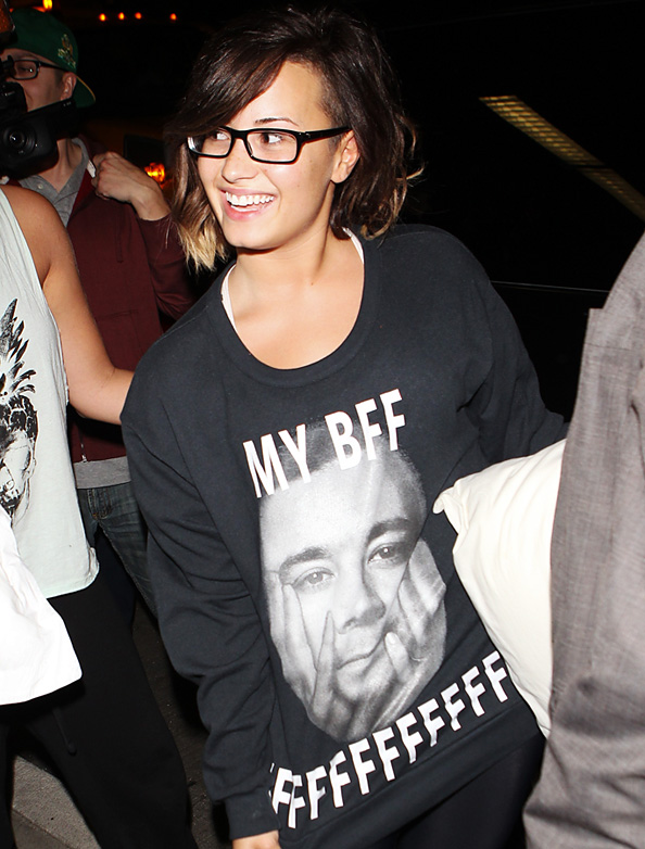 Demi Lovato Wears BFF Jimmy Fallon's Face on Her Shirt