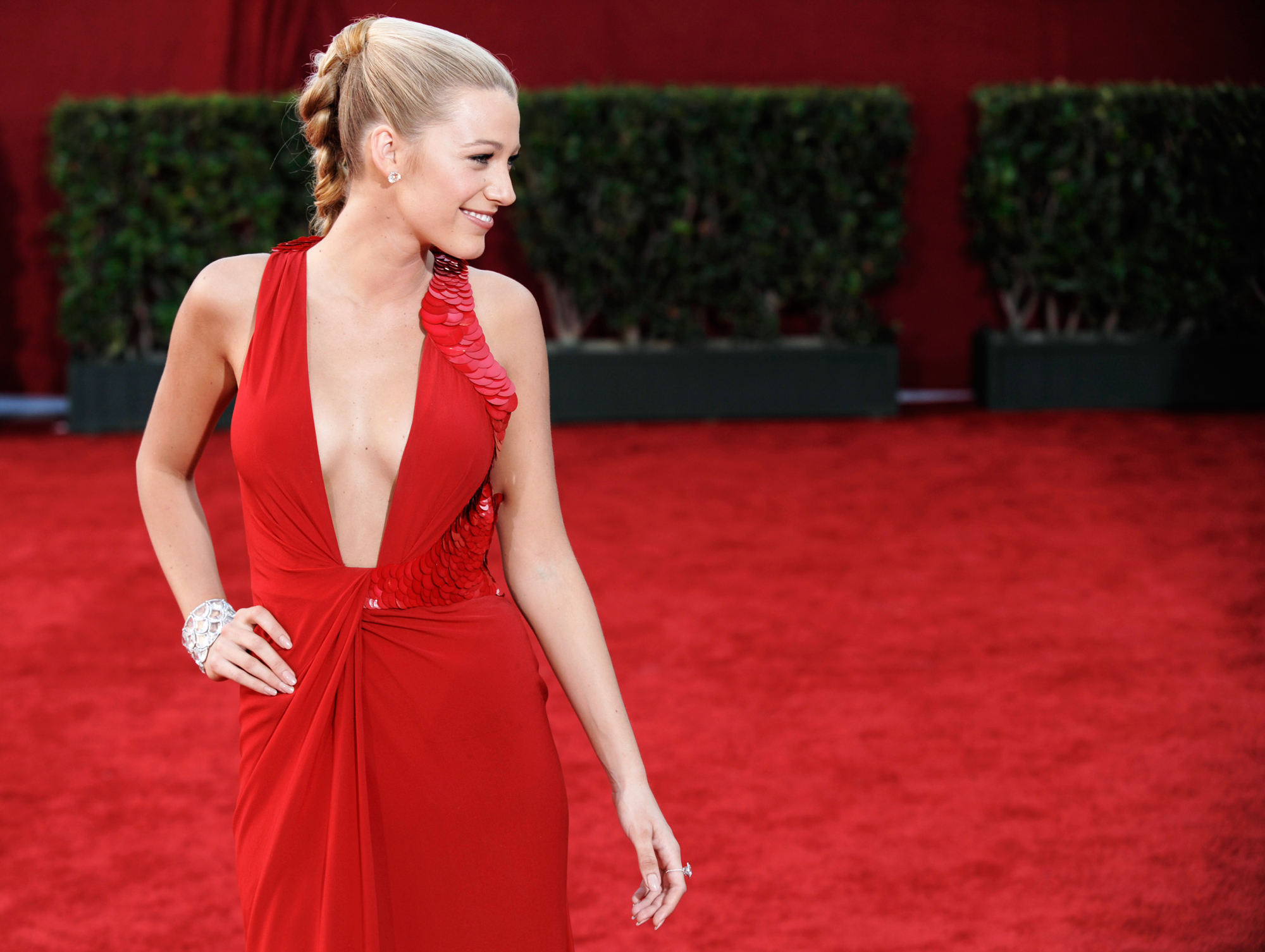 The Sexiest Emmys Looks of All Time