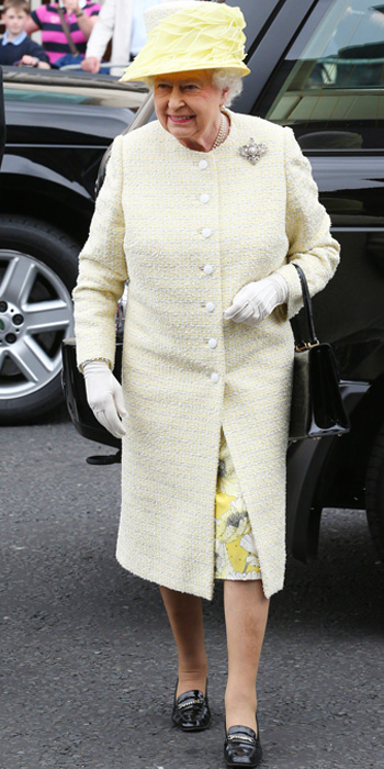 Queen Elizabeth yellow outfit 2014