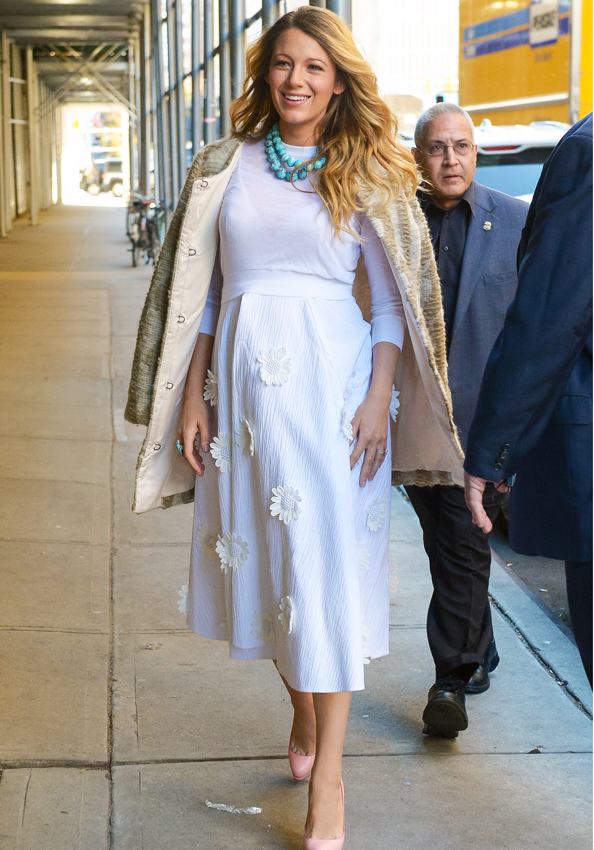 Blake Lively Doubles Up on White and Simultaneously Wins at Maternity Style <em>Again</em>