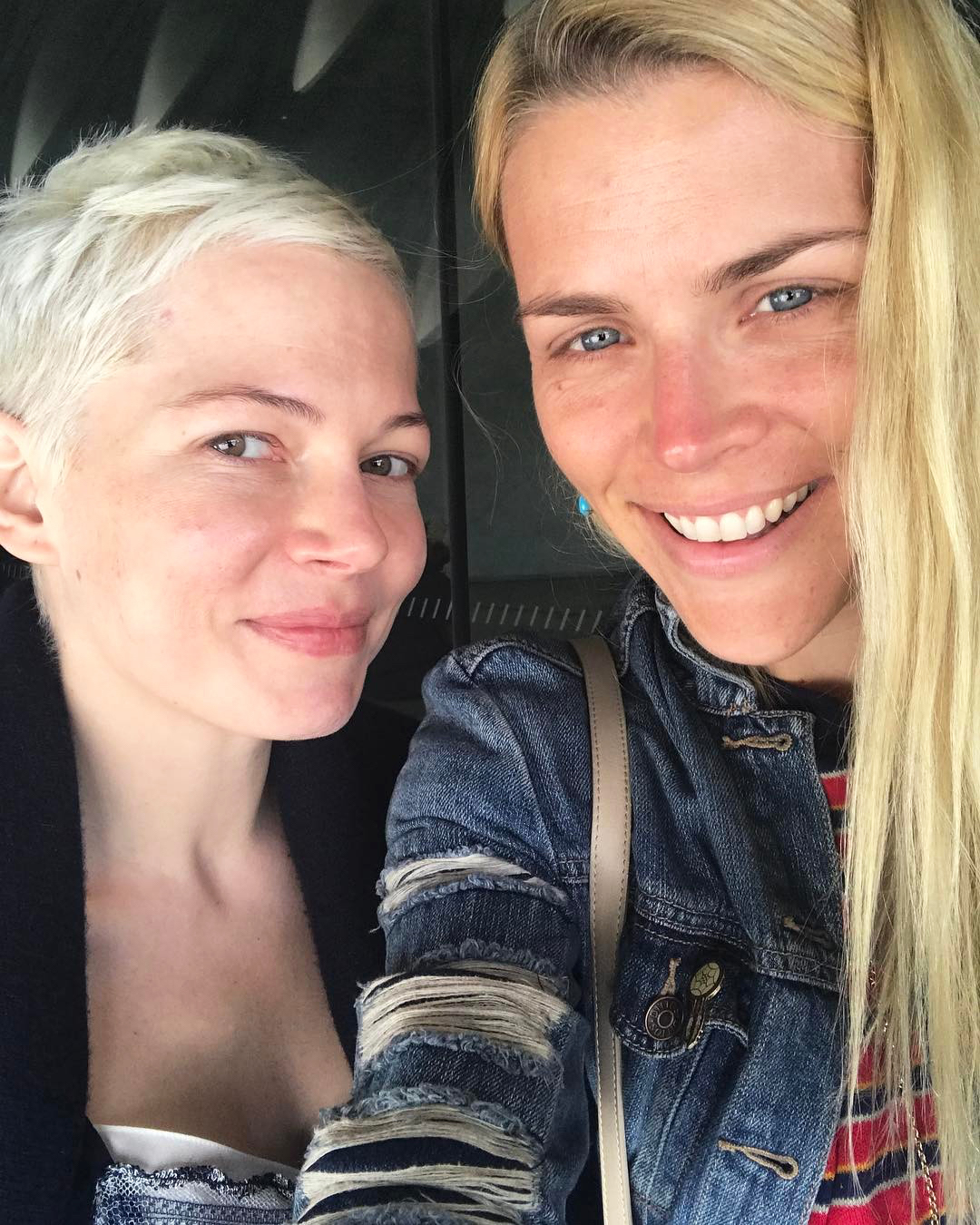 <p>Michelle Williams and Busy Philipps</p>
