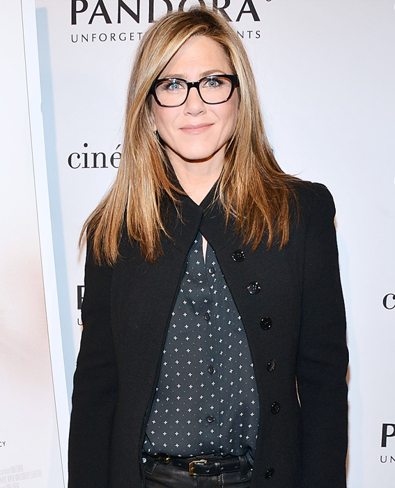 Celebs in Glasses: Jennifer Aniston