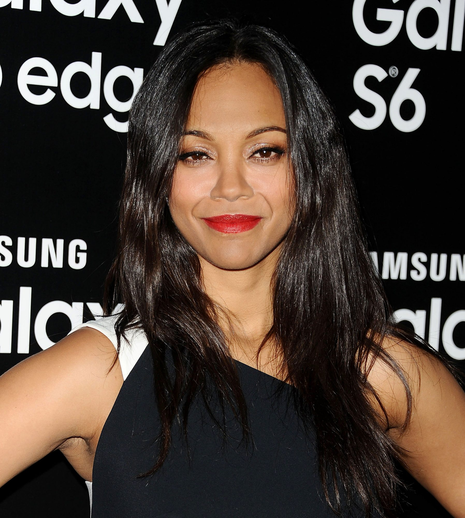 """Zoe Saldana Shares Her """"Slow, Painful"""" Journey of Getting Back into Shape After Having Twins"""