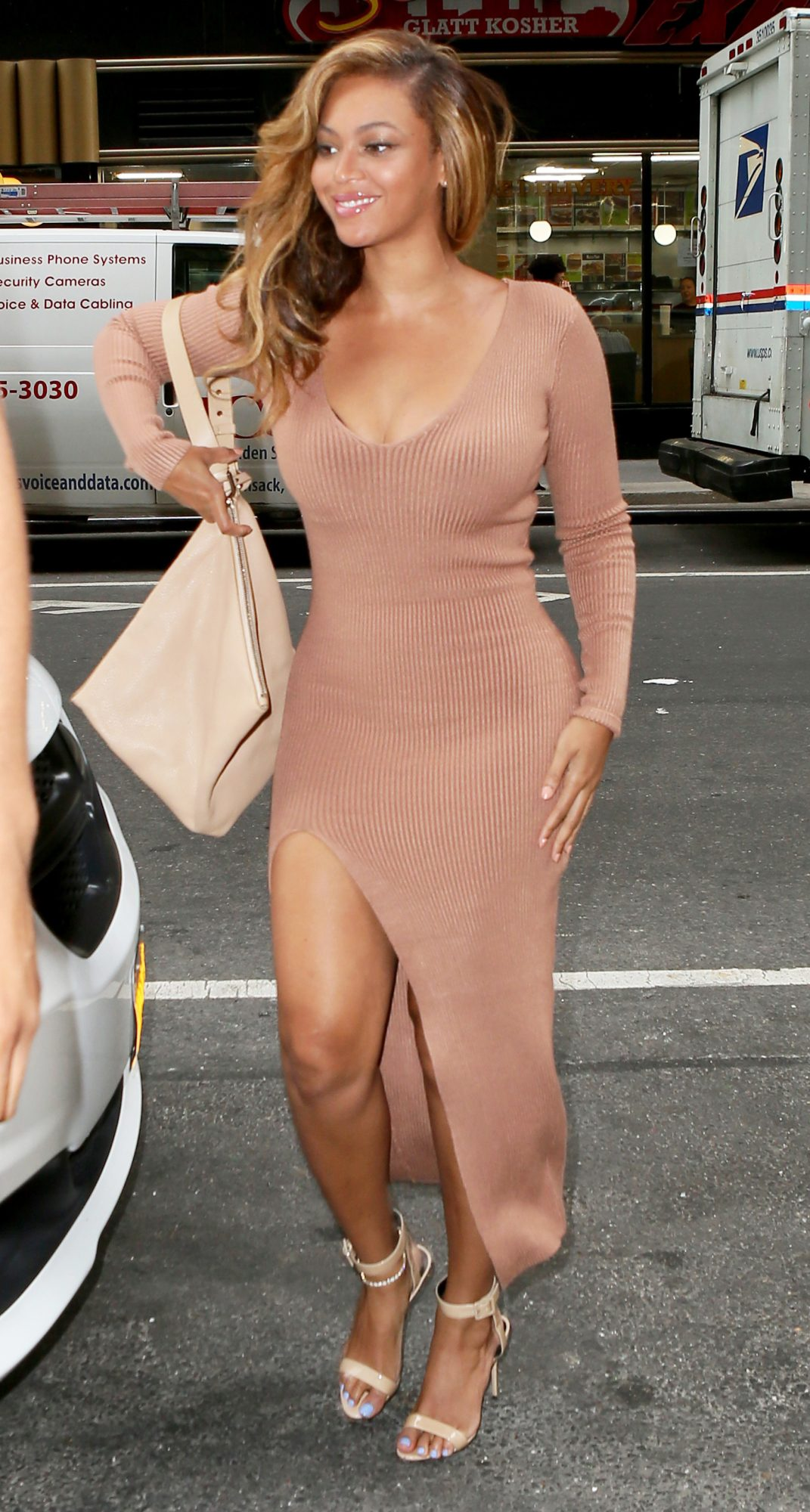 Beyoncé Pulls Off a Sweaterdress Despite the Sweltering New York Heat