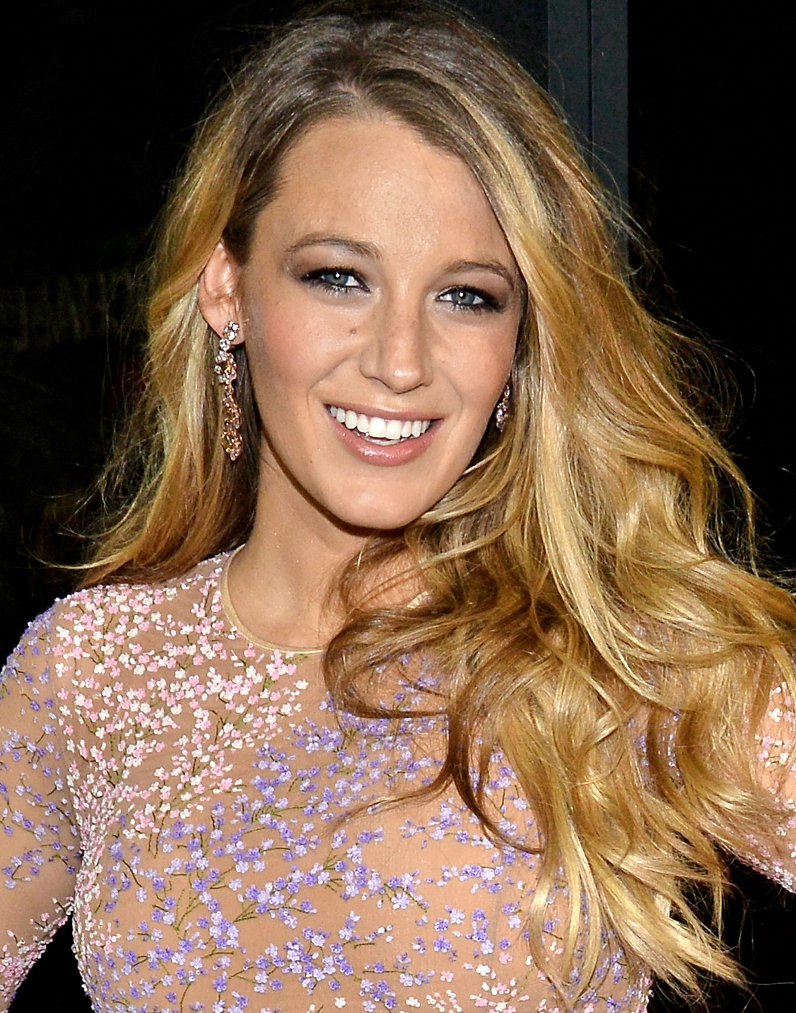 Blake Lively Shows Off Her New-Found Chair-Racing Talents