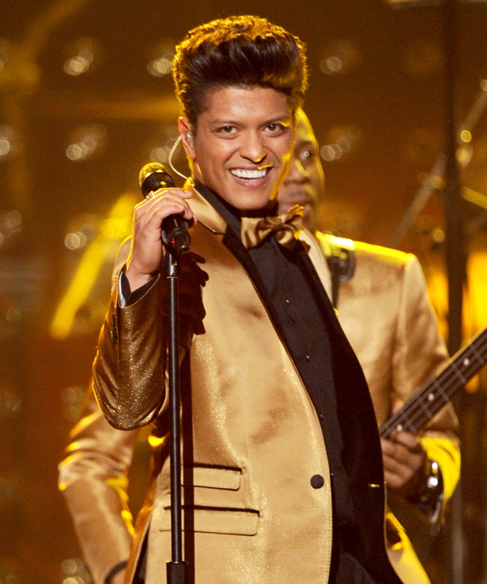 Bruno Mars Has Been Offered Super Bowl 50 Halftime Show Spot
